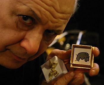 http://magickman.com/shop/graphics/elephant-to-mouse.jpg